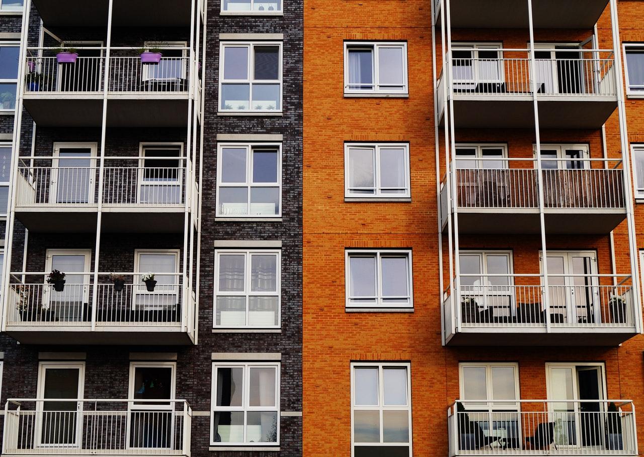 222 tys. mieszkań i domów w 2020 r. Nowy rekord cieszy. Niepokoi przyszłość mieszkaniówki. Dlaczego
