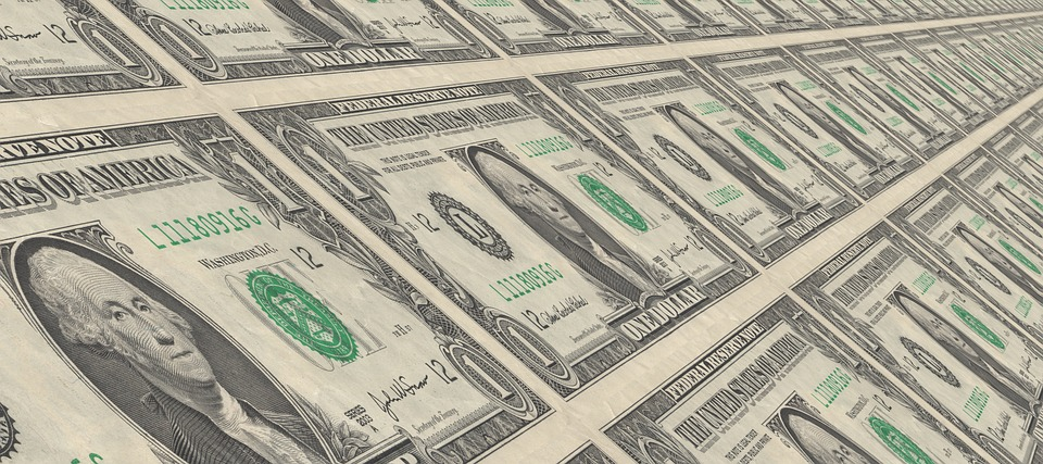 Amerykańska waluta zyskuje na awersji do ryzyka