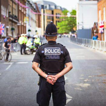 Czy obywatel może poznać imię i nazwisko policjanta. który dokonał interwencji