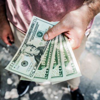 Dla dolara lipiec był najgorszym miesiącem od dekady