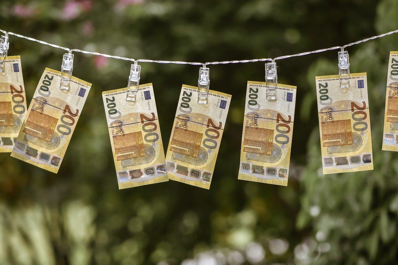 Dolar traci na wartości, silnego PLN nie chce RPP. Co będzie dalej