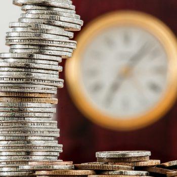 Dynamika wzrostu oszczędności większa niż kredytów