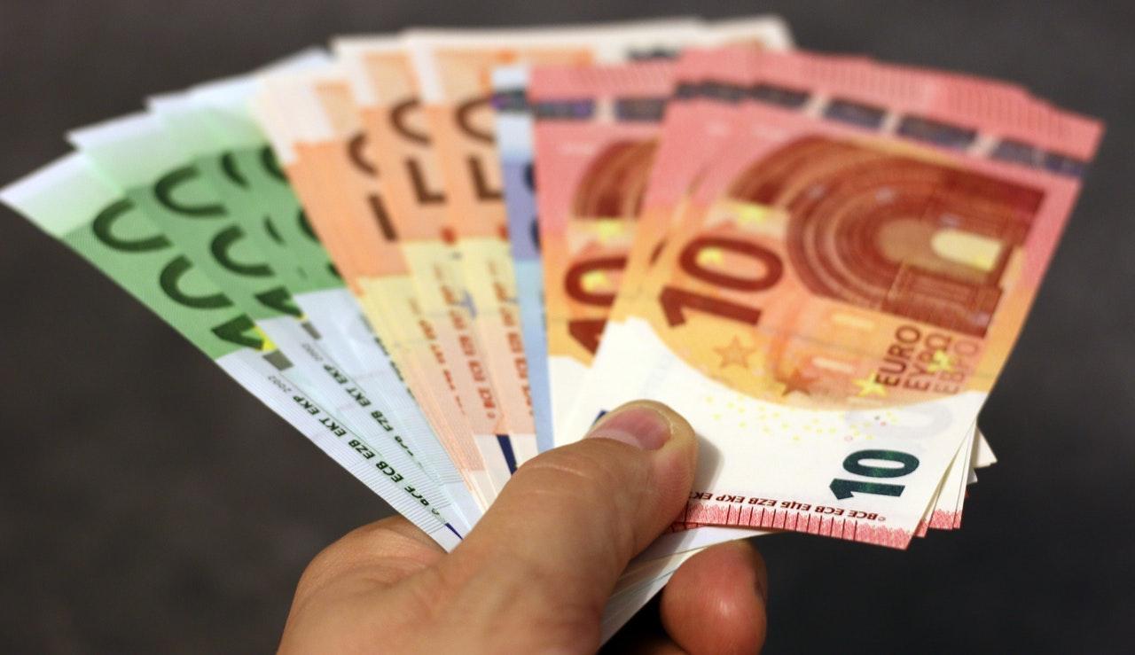 EBC mniej zaniepokojony siłą euro