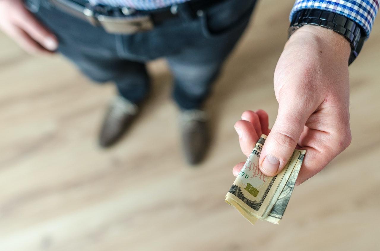 """Finanse w związku, czyli czy potrafimy rozmawiać ze swoją """"drugą połówką"""" o pieniądzach"""
