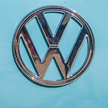 Fuzja Enel X i spółki Volkswagena. Komisja Europejska pozostawia Włochom ocenę zagrożenia konkurencyjności
