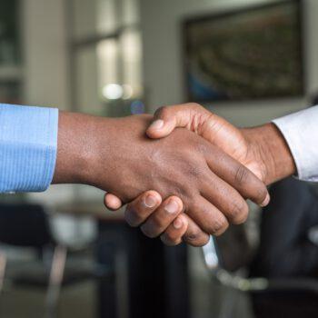 Fuzje przedsiębiorstw Allianz, Altice i Omers przejmują Covage