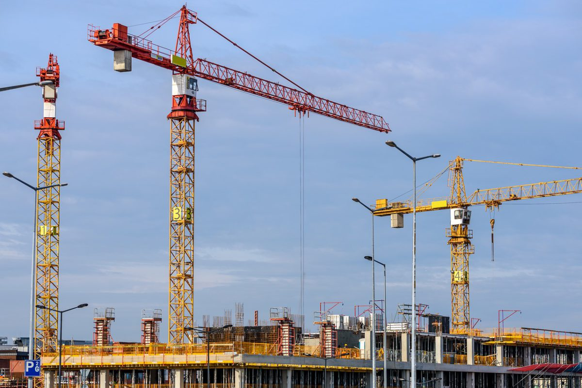 Gwałtownie przybywa firm budowlanych niepłacących bankom i kontrahentom