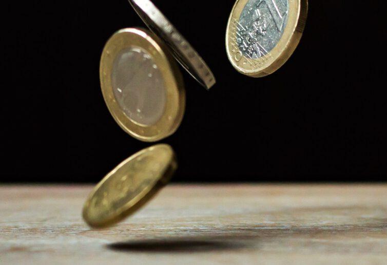 Jak żyć cały rok bez długów