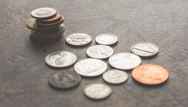 Kolejny miesiąc pandemii zwiększa zatory płatnicze firm i obniża tolerancję dla dłużników