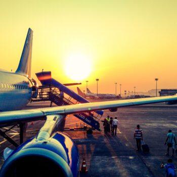 Komisja Europejska i organy ochrony konsumentów wzywają linie lotnicze do poprawy obsługi odwołanych lotów