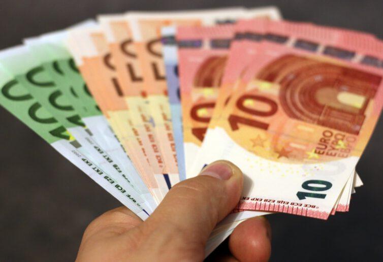 Nadzieje na poprawę sytuacji gospodarczej wspierają ożywienie walut rynków wschodzących