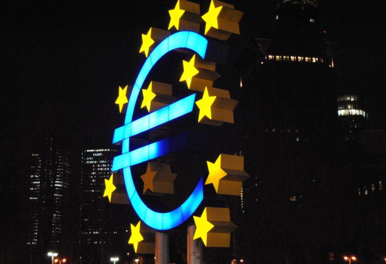 Nowe unijne zasady komunikacji między spółkami a ich akcjonariuszami