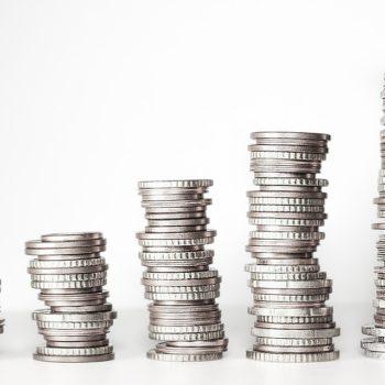 Obligacje skarbowe idą jak woda, oszczędzający czekają na premie