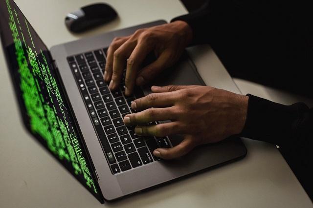 Oprogramowanie do szpiegowania Pegasus, które mogło być wykorzystywane także przez polskie służby, nielegalnie narusza prawa inwigilowanych