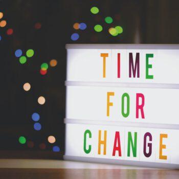 Pierwszy krok do zmiany zawodowej. Dane i opinie ekspertek