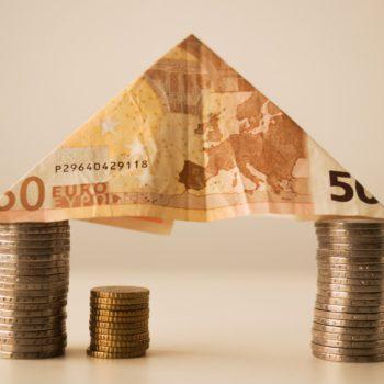 Pożyczka hipoteczna a kredyt. Co warto wiedzieć