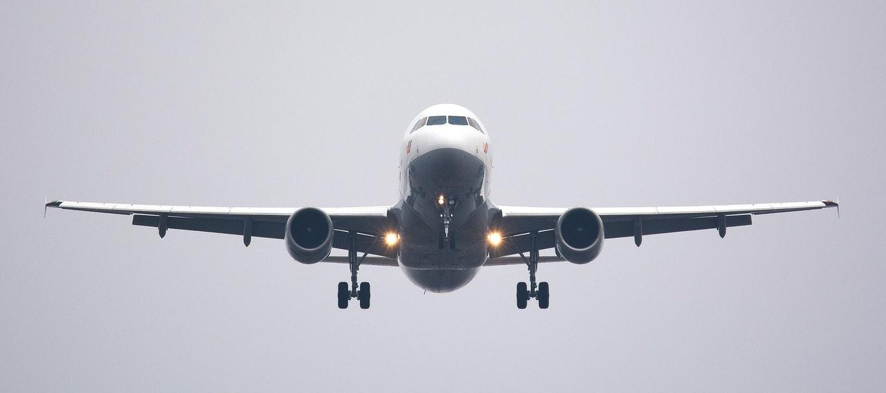 Podróże lotnicze w czasie pandemii