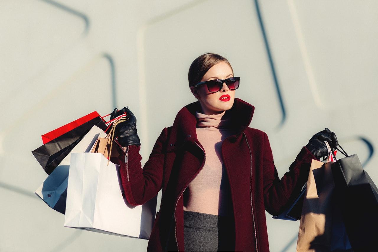 Ponad połowa Polaków w epidemii zrobiła zakupy online, ale tylko co trzeci się do nich przywiązał