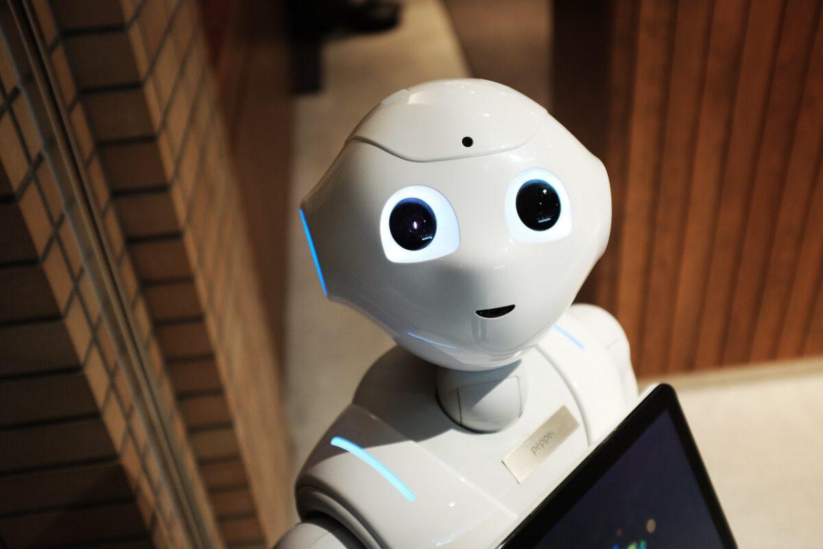 Pracownicy nie boją się automatyzacji, ale brak obaw to naiwność