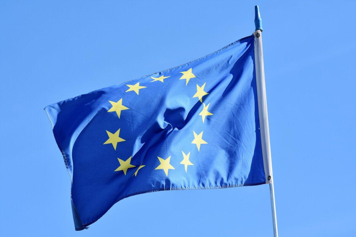 Przewodnicząca KE ostrzega: wszystkie orzeczenia ETS mają być w pełni respektowane w Polsce