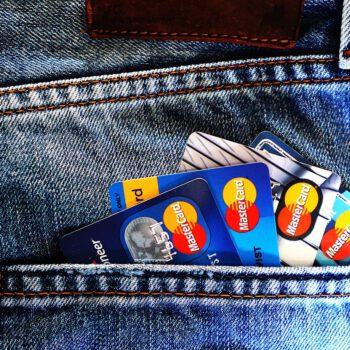 Sezon na tańsze kredyty i mieszkania w pełni