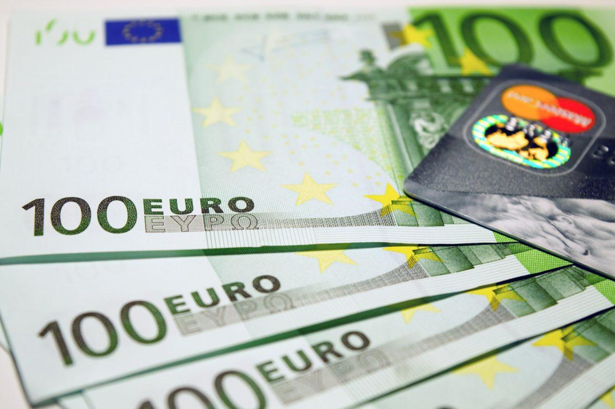 Sprzedaż kredytów w Polsce dynamicznie rośnie