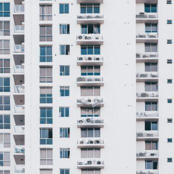 Sprzedaż oddziedziczonego przed 2019 r. mieszkania a podatek dochodowy