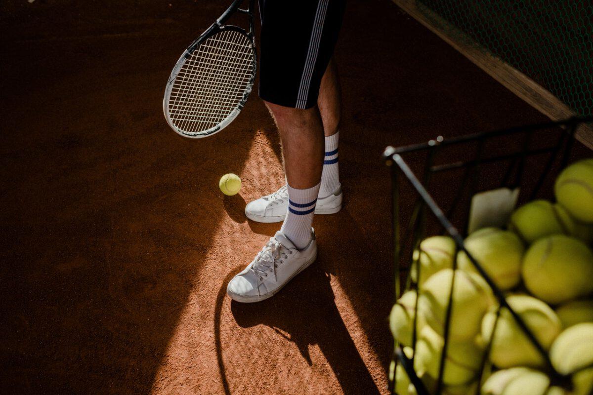 Stawka opodatkowania VAT nauki gry w tenisa i gier podobnych na terenie obiektu sportowego