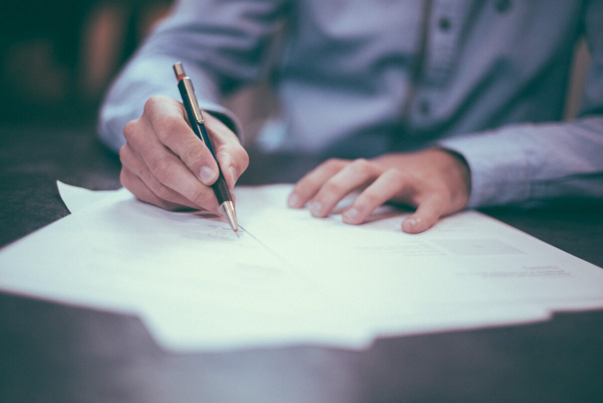 Termin składania i sposób podpisywania informacji o cenach transferowych w zakresie PIT