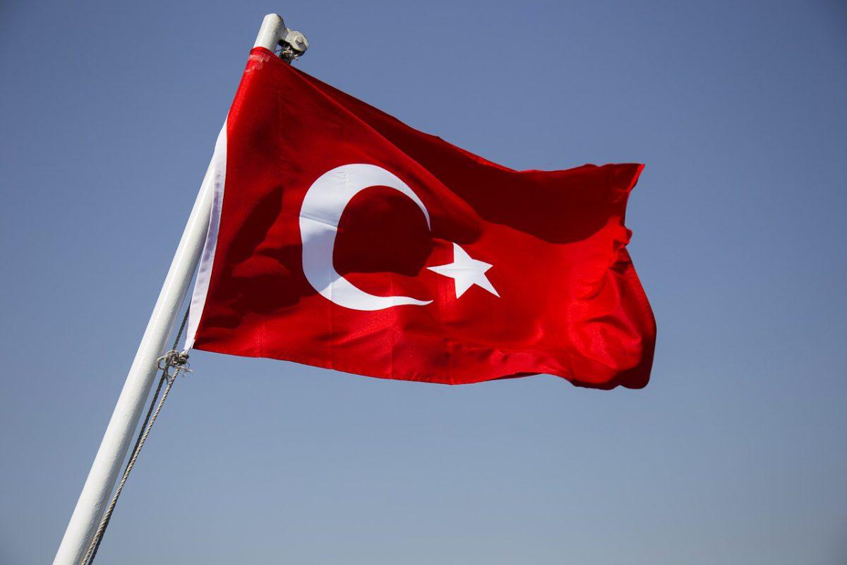 Turecka walka z inflacją – naklejki i policja