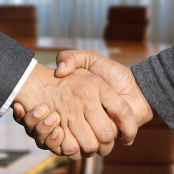 Ubezpieczenia zastąpią premie w firmach