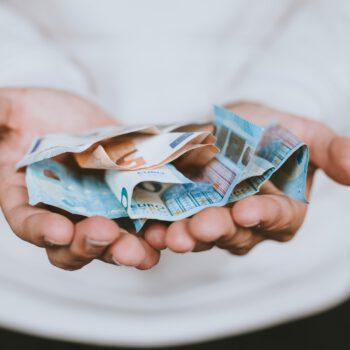 Umowa darowizny, oświadczenie darczyńcy i wpłata na rachunek bankowy nie są dla fiskusa wystarczające do udzielenia zwolnienia z podatku od darowizn