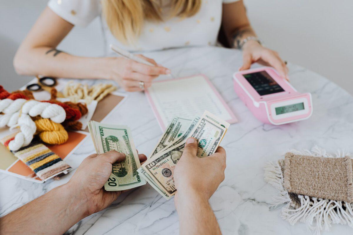 W drugiej połowie 2020 r. przybyło zadłużonych bankrutów