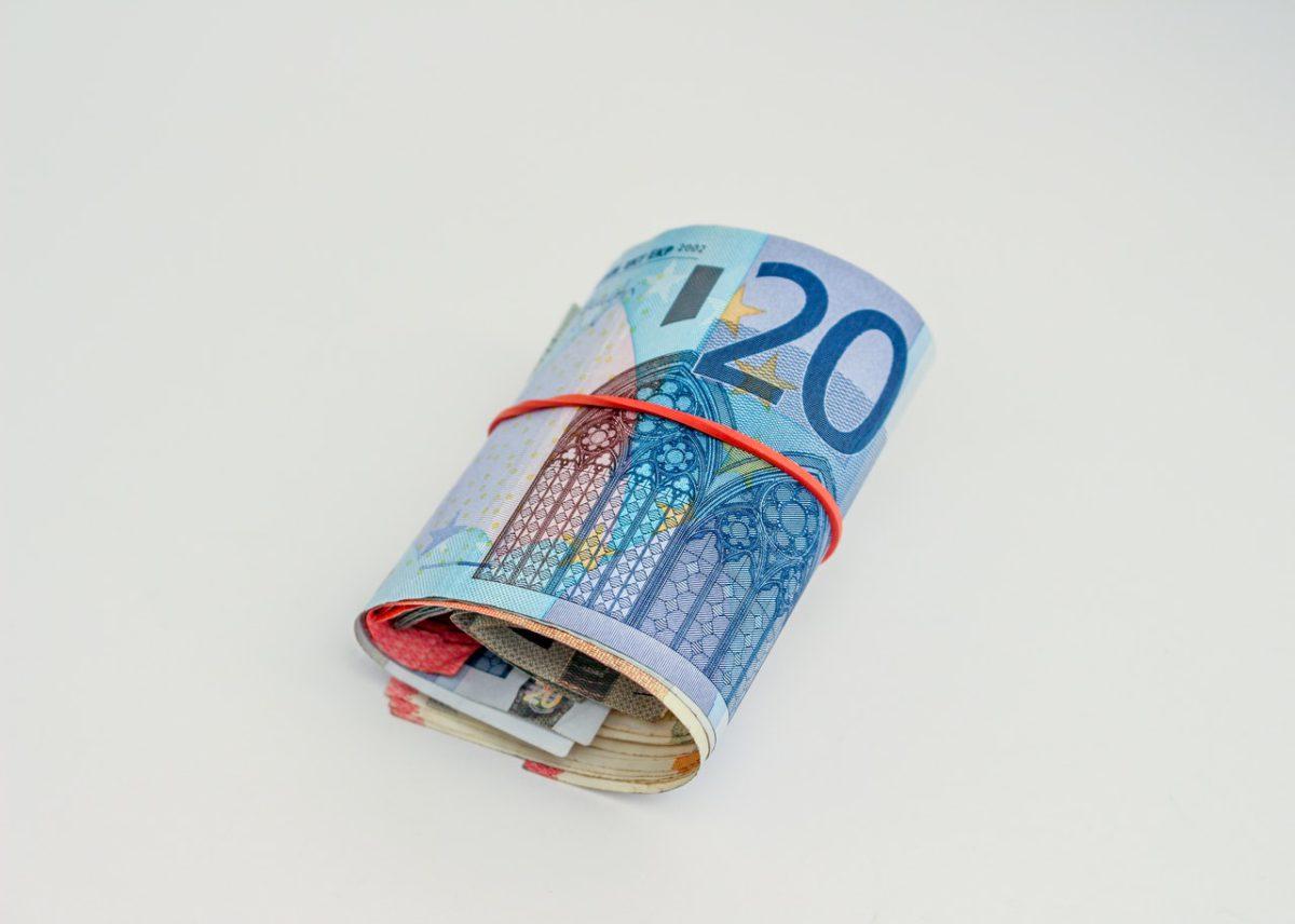 Wartość oszczędności Polaków maleje