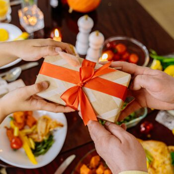 Większość Polaków kupi prezenty świąteczne w Internecie