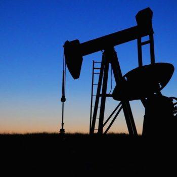 Złoto i ropa szukają wsparcia, ceny gazu szybują