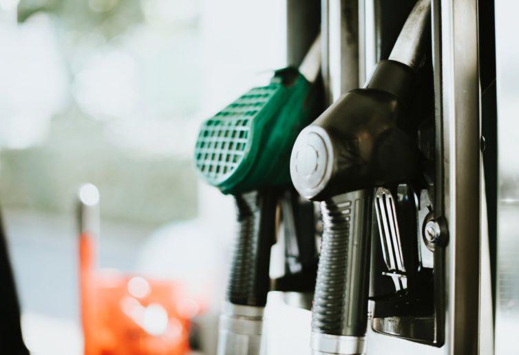 Zawyżone ceny paliw w Polsce. Możemy to zmienić