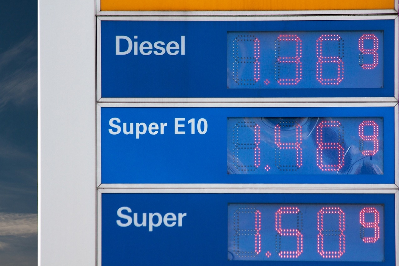 Cena ropy