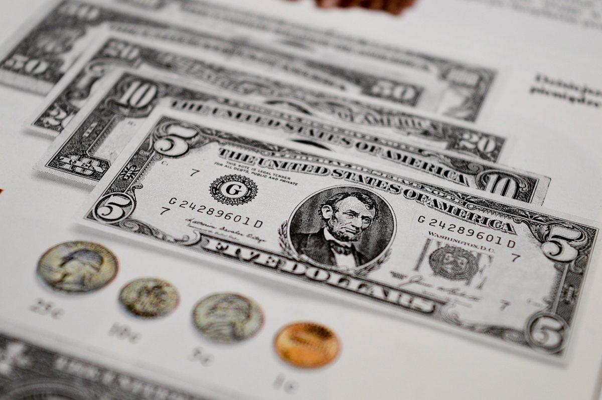 Dolar osiąga kolejne szczyty