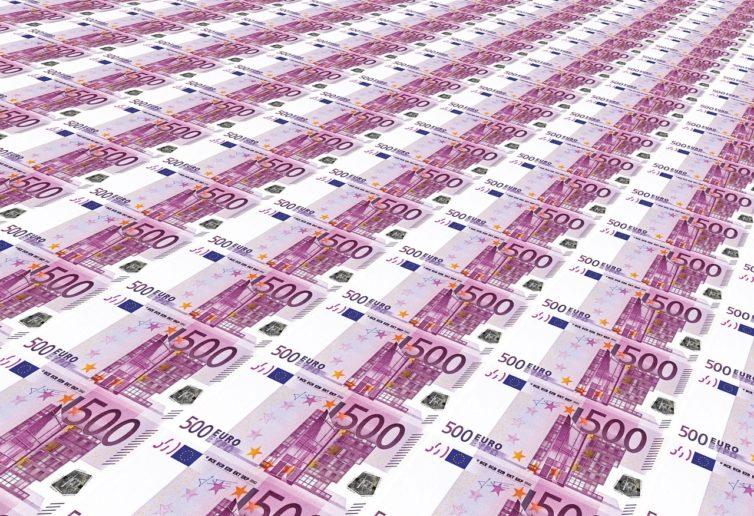 Słabe odczyty danych z gospodarki nie sprzyjają euro