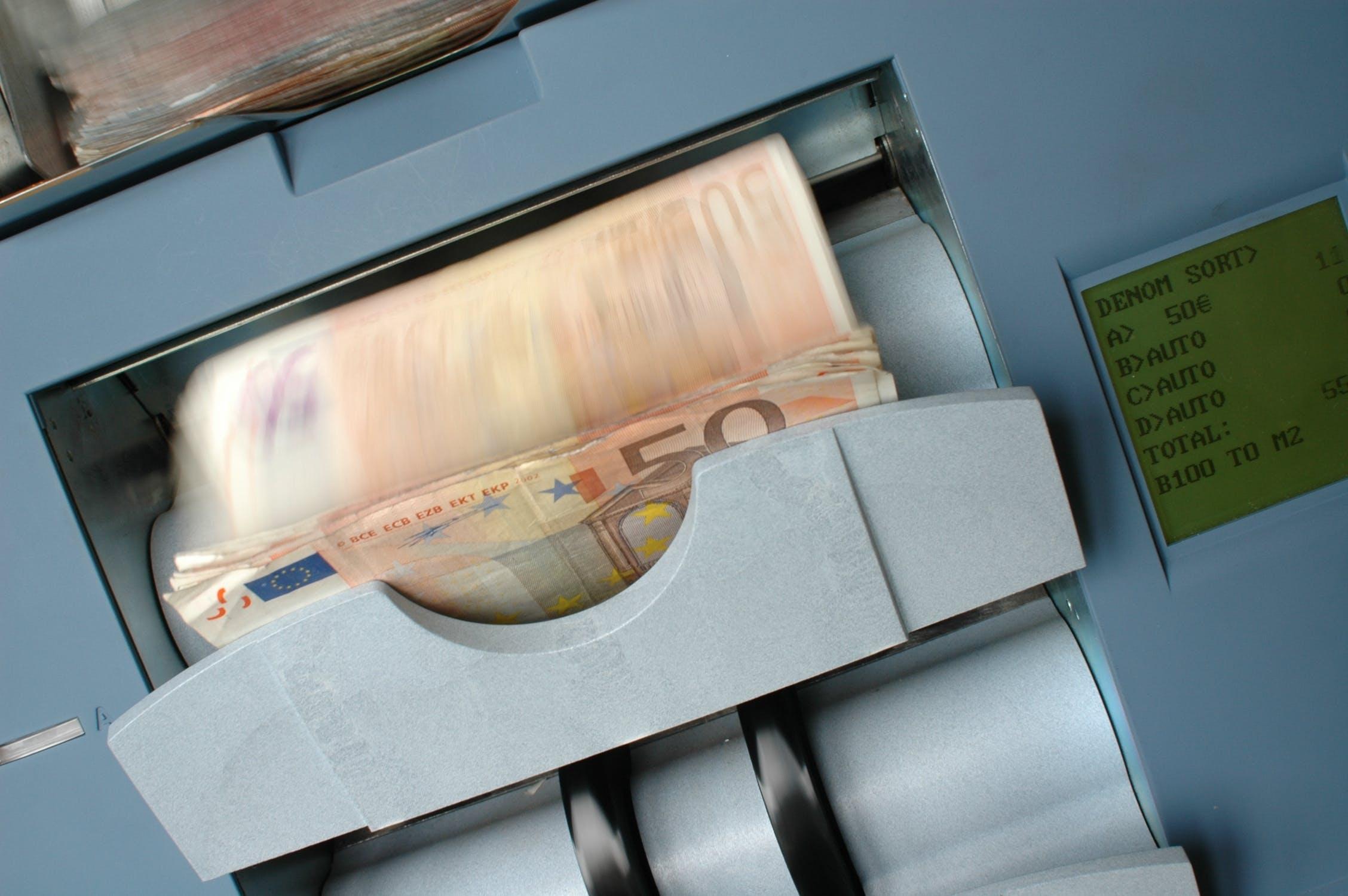 Połowa Polaków obawia się, że wprowadzenie euro będzie niekorzystne dla polskich firm