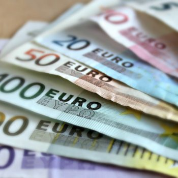 FED i limit zadłużenia. Draghi umacnia euro