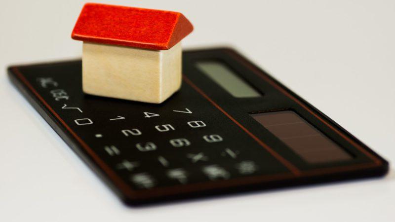 Długi na wsi są niższe niż te zaciągane w miastach. Jedynie 18,25% dłużników wpisanych do Krajowego Rejestru Długów to mieszkańcy wsi