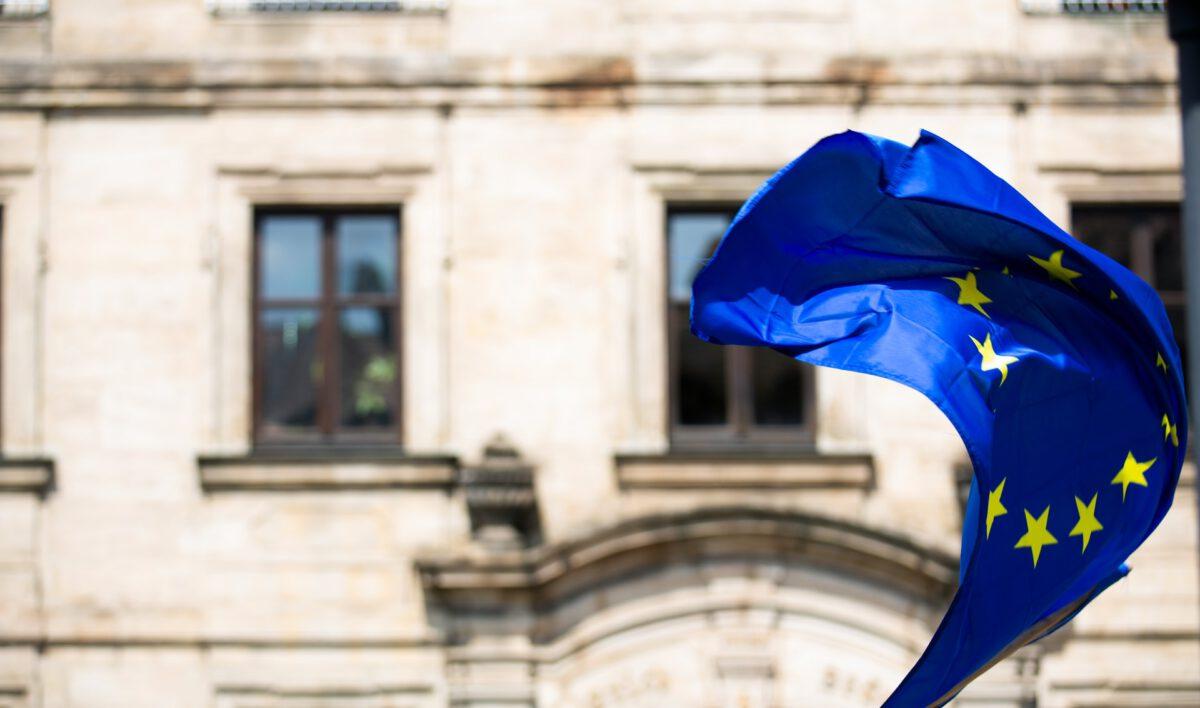 Komisja Europejska pozywa Austrię, Belgię i Niderlandy ws. niedopełnienia obowiązków przeciwdziałania praniu pieniędzy