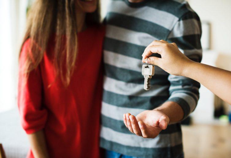 Banki powoli podnoszą wymagania wobec kredytów mieszkaniowych