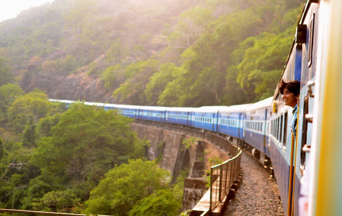 Miliard zł na budowę i remont 200 przystanków kolejowych