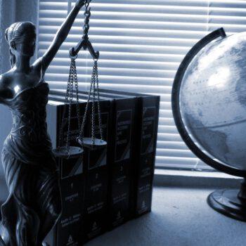 Prowadzona przez adwokata działalność ochrony praw osób pełnoletnich