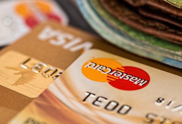 Przez split payment przelał się niemal bilion zł