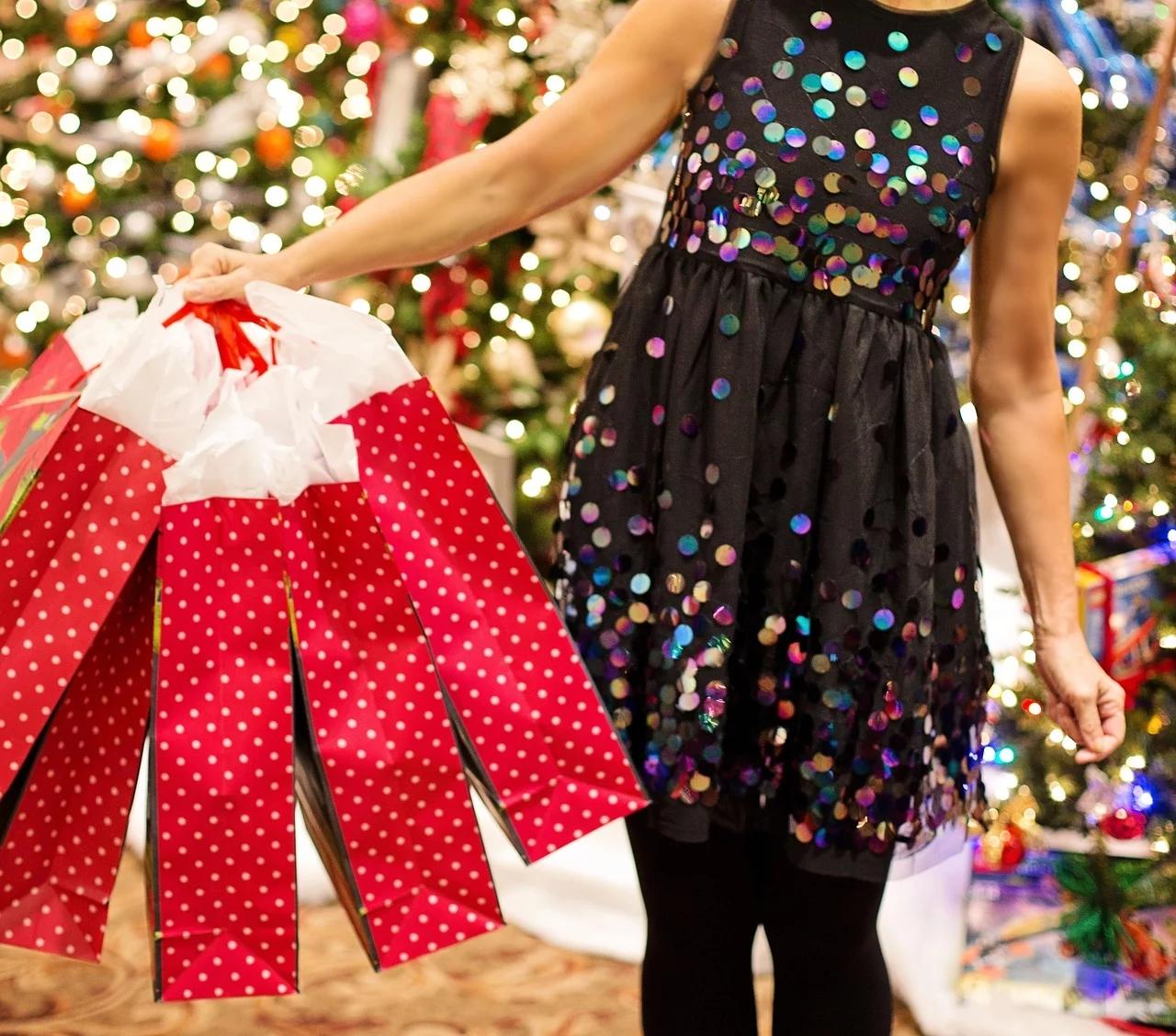 Poradnik finansowy last minute, czyli jak robić świąteczne zakupy, aby nie wpaść w długi