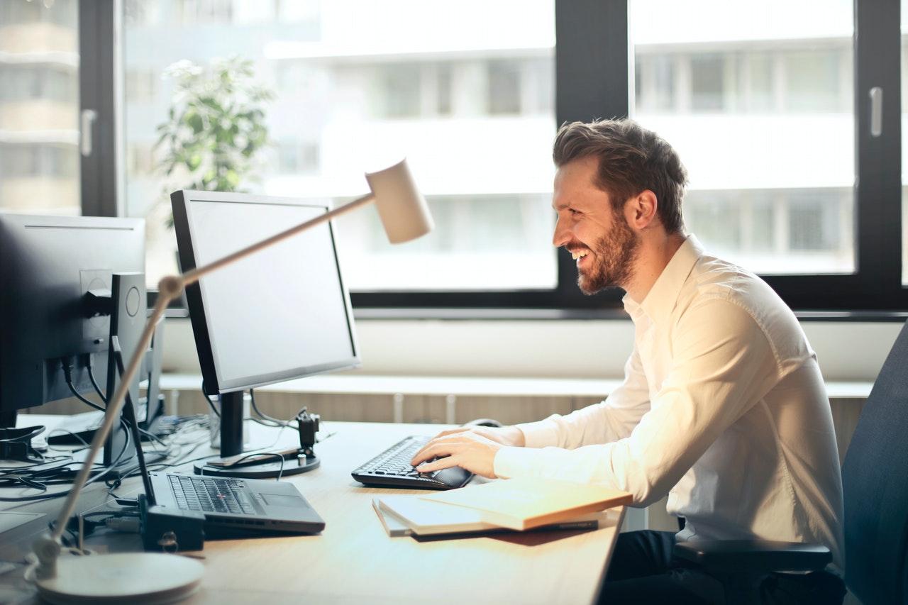 Zawieranie umów o pracę, zleceń, drogą elektroniczną